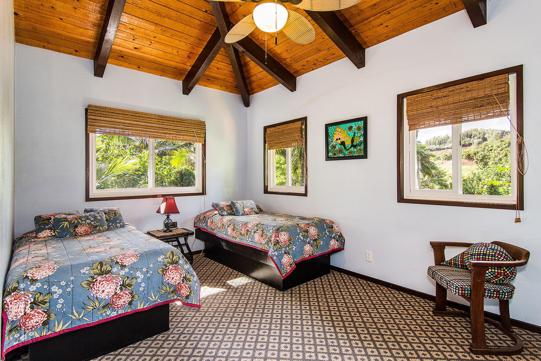 bedroom-2_1800x1200_1470647